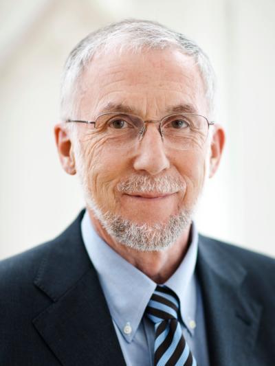 Lars E.O. Svensson